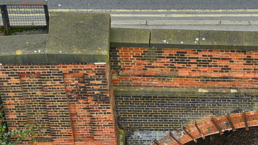 Zoom of the captured bridge at Guildford