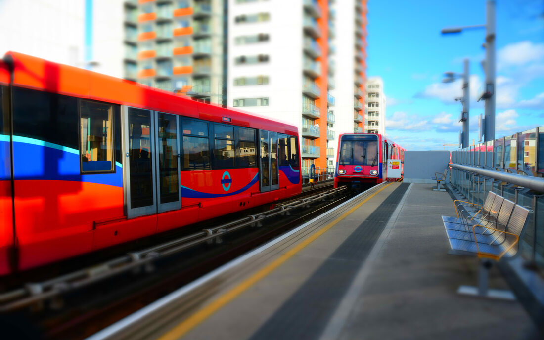 Rail Docklands Light Railway 2