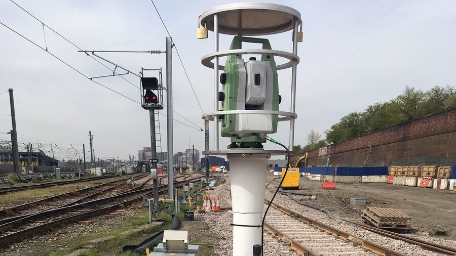 PC Monitoring Rail Old Oak Common
