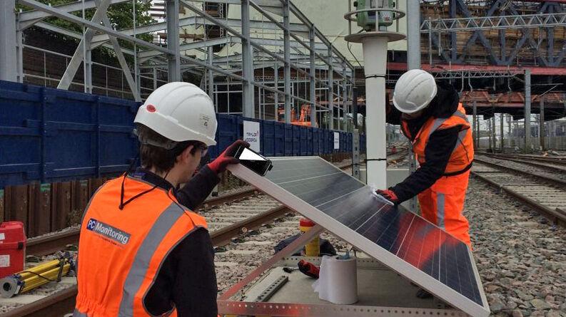 PC Monitoring Rail Staff