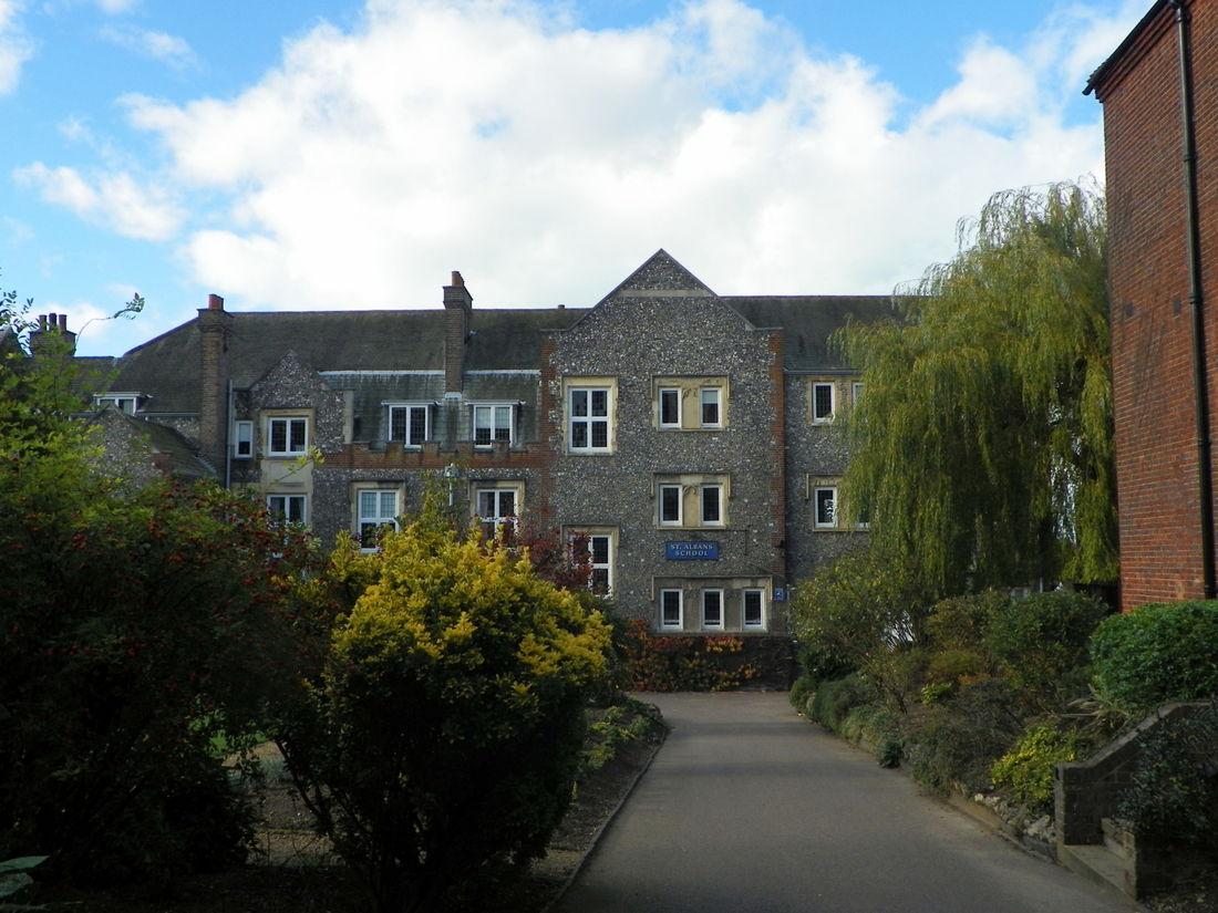 Property Hertfordshire Schools 2