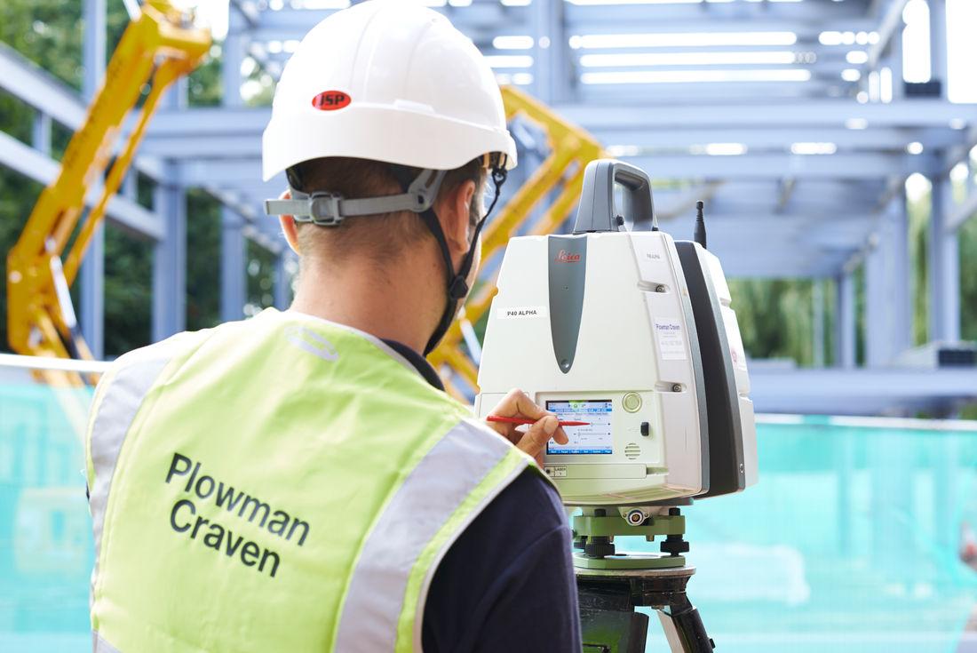 Staff Equipment Laser Scanning 1