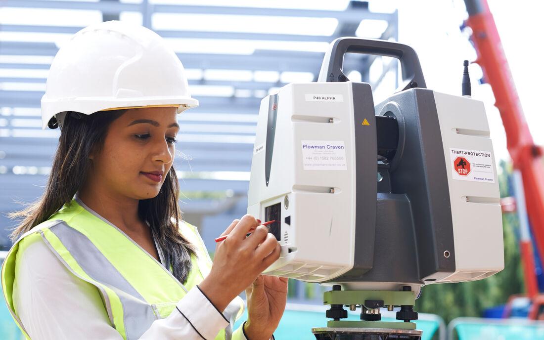Staff Equipment Laser Scanning 2
