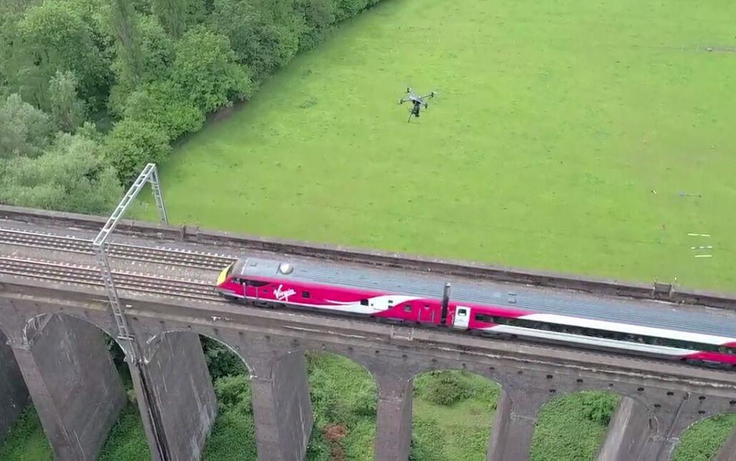 UAV Vogel Flying Above Rails