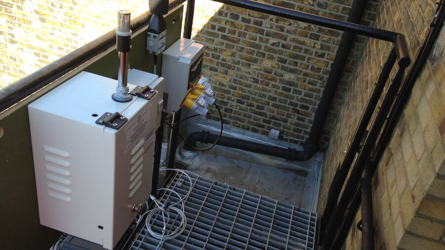 Pc Monitoring London Moorgate Equipment Construction Surveying 5