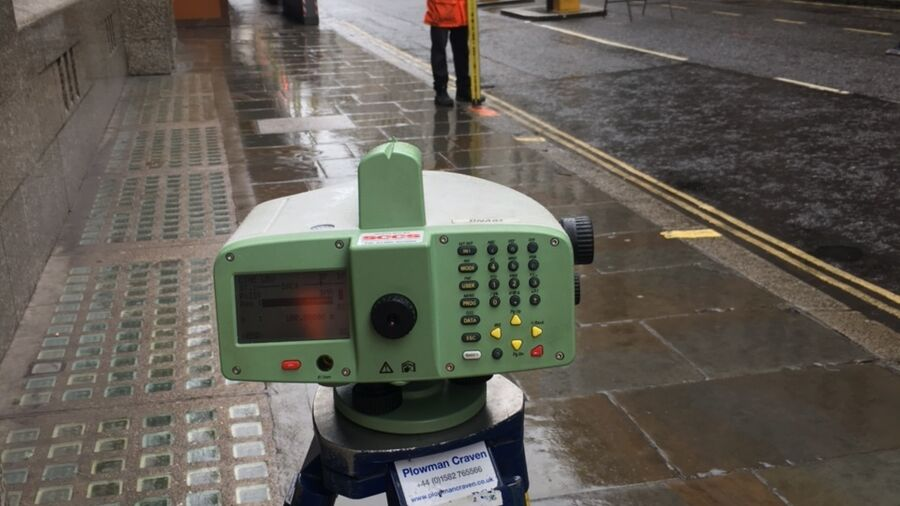 Pc Monitoring London Moorgate Equipment Construction Surveying 1
